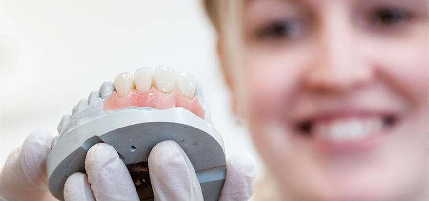 preço de uma prótese dentaria fixa